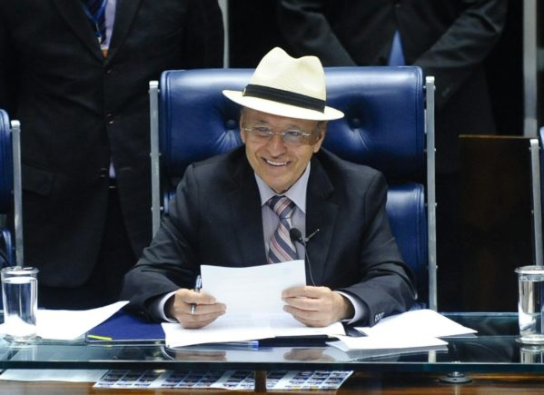 Valadares o único senador sergipano na lista do DIAP que aponta os 100 mais influentes parlamentares do País em 2017