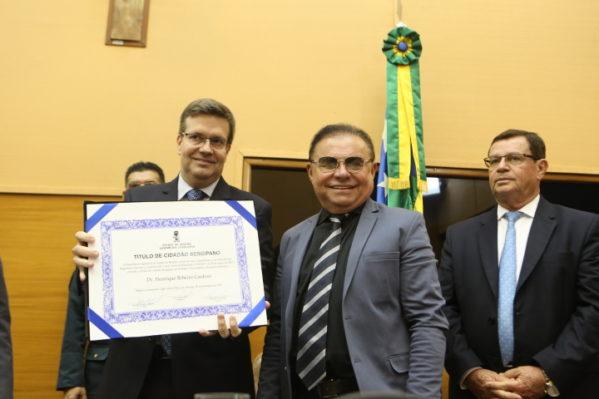 A propositura foi do deputado Gilmar Carvalho, que prestou elogios ao amigo.