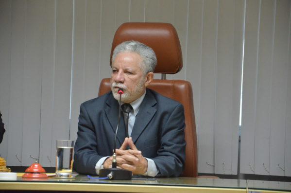Estado terá R$ 560 milhões da Caixa para recuperação de estradas e saneamento