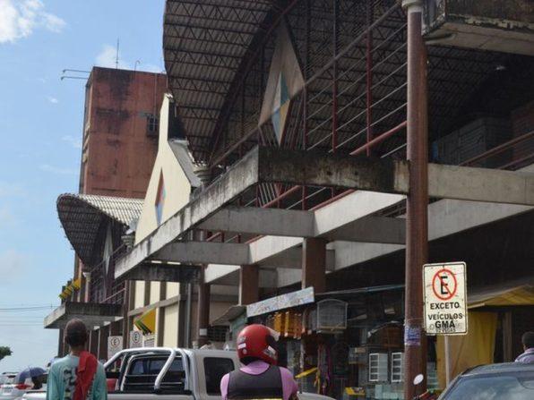 Homem é agredido a pauladas na área dos Mercados Centrais de Aracaju