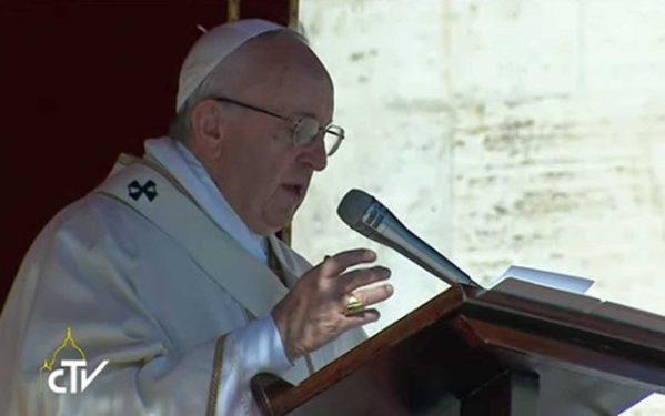 O pontífice pede que sejam libertados os religiosos e fiéis sequestrados (foto: Reprodução / TV do Vaticano)