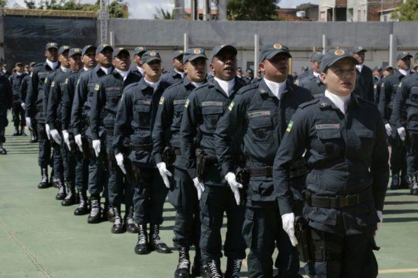 Governo descarta cancelamento do concurso da Polícia Militar