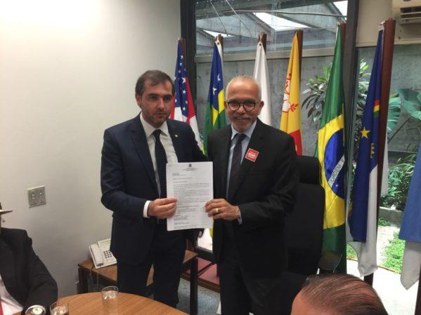 Em Brasília, Prefeito de Aracaju solicita verba para a Saúde