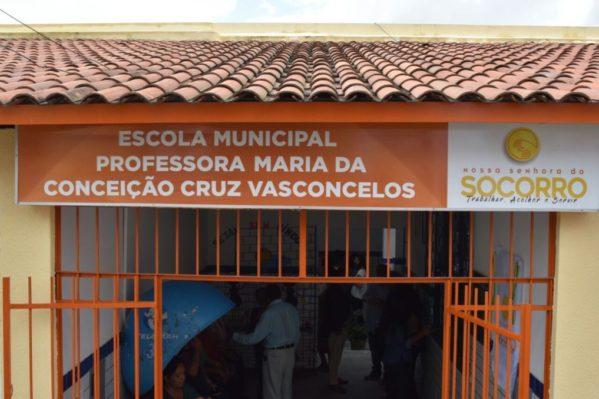 No Conjunto Jardim, Padre Inaldo inaugura Escola Maria da Conceição Cruz Vasconcelos