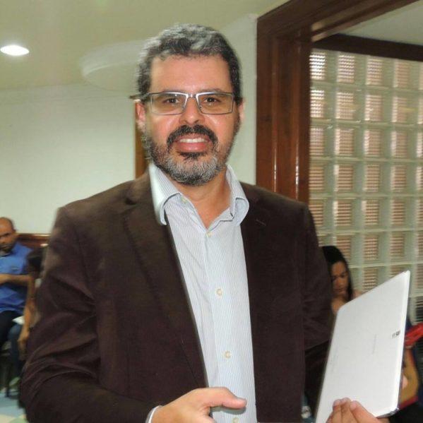 """Cicero Mendes: """"Edvaldo Nogueira mostra-se um político moderno e dinâmico"""""""