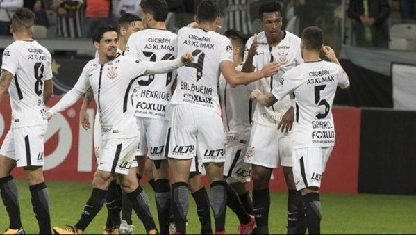 De virada, na raça e com brilho de Jô. Corinthians bate o Flu e é hepta. (foto: Globo Esporte)