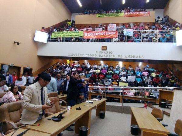 Trabalhadores lotaram as galerias da Alese (foto: Marcos Menezes)