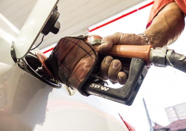 Variação dos preços dos combustíveis é monitorada na capital