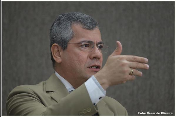 Vereador Iran discute situação de cemitérios e propõe velatórios públicos