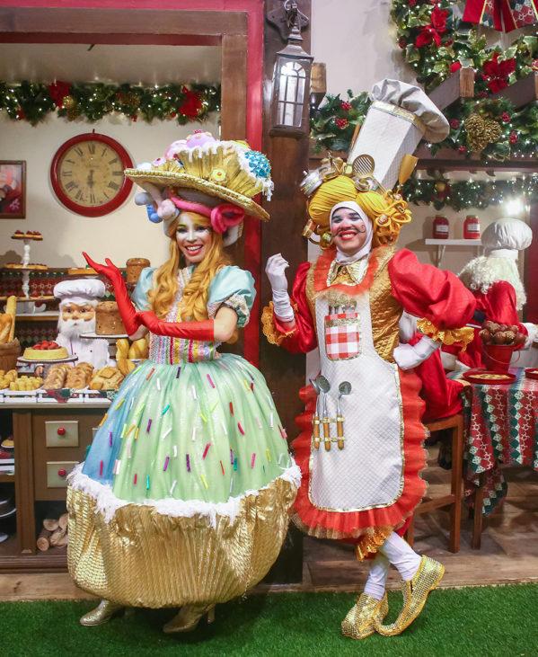 Papai Smurf, Smurfette e Desastrado aterrissam em Aracaju (SE) para receber o Papai Noel no dia 8 de novembro