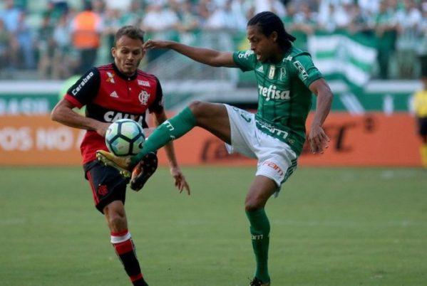 Flamengo volta a jogar mal, é dominado e acaba derrotado pelo Palmeiras