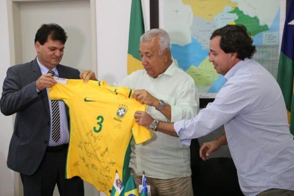 Erguido na Rua Argemiro Ferreira Dias, o estádio recebeu investimentos na ordem de R$ 1.807.554,89, oriundos do Programa Sergipe Cidades. A praça esportiva possui 15.859,73 m² de área construída em um total de 22.223,89 m². (foto: Jorge Henrique/ASN)