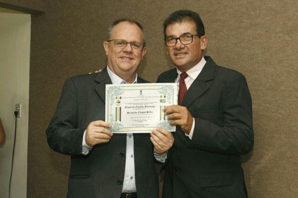 Belivaldo recebe título de cidadão gloriense