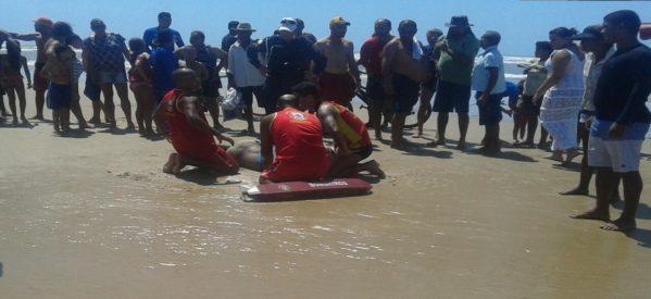 Mergulhadores do Corpo de Bombeiros atenderam a ocorrência (Foto: Sheila Milena/SE Notícias)