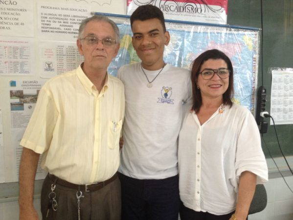 Aluno da escola estadual Manoel Luiz vence concurso de Redação da Marinha