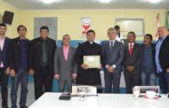Câmara de Vereadores de São Cristóvão concede título de cidadão ao Padre João Santana