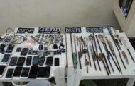 Armas brancas, celulares e drogas são apreendidos no Presídio de São Cristóvão