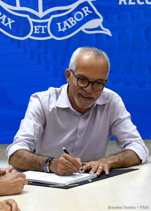 Edvaldo assina ordem de serviço para reforma da Escola Infantil José Airton de Andrade, no Jabotiana