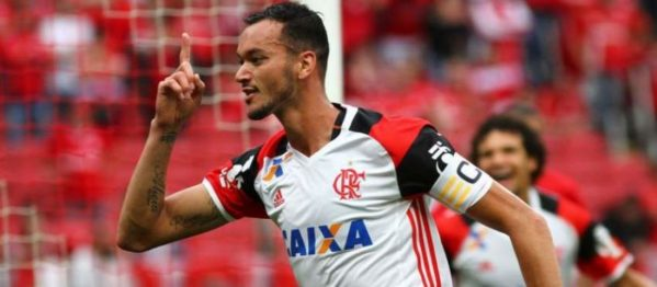 Rubro-Negro sai na frente na Argentina com Réver, mas é envolvido pelo toque de bola do Independiente. Volta será dia 13 no Rio
