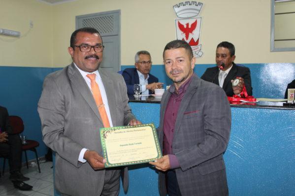 A solenidade, de autoria do vereador Irmão Gibson, reuniu inúmeras lideranças religiosas do município (foto: ascom/Cãmara)