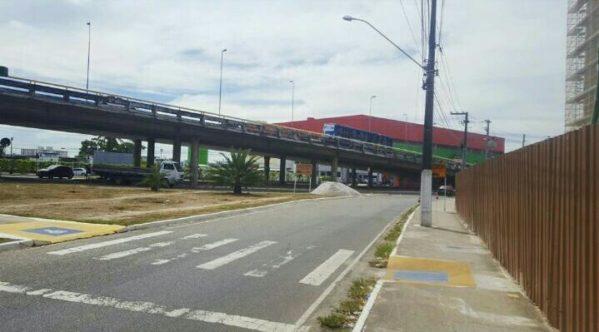 Pista de acesso à avenida Tancredo Neves pela Adélia Franco será fechada no fim de semana