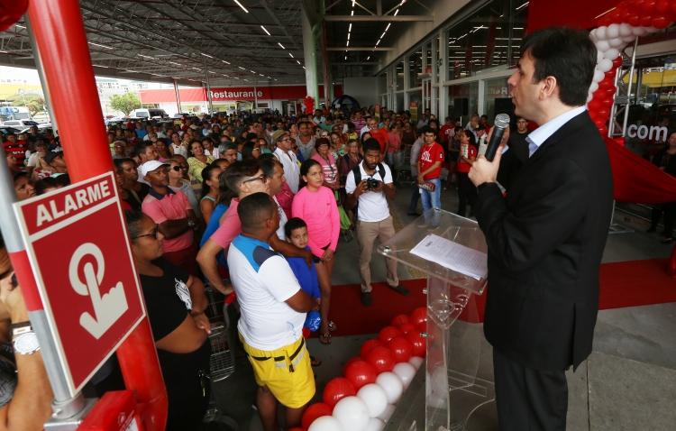Loja Makro em Aracaju é reinaugurada onze meses após incêndio
