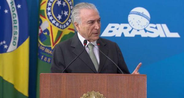 Michel Temer faz apelo a prefeitos para que apoiem a reforma da Previdência