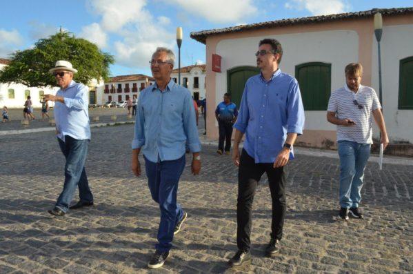 O Ministro da Cultura foi recepicionado pelo Prefeito Marcos Santana