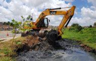 Prefeitura de São Cristóvão intensifica limpeza de canais no Grande Rosa Elze