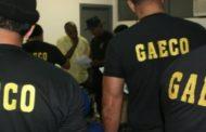 MPE e Policiais Militares do COE fazem busca e apreensão na casa de ex-secretários e empresário