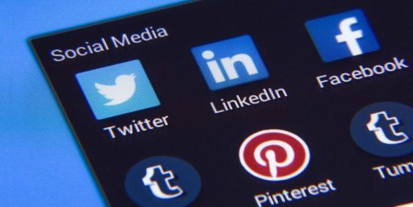 A fonte do estudo foi a Universidade de Michigan, onde estudantes passaram 10 minutos lendo notícias no Facebook.