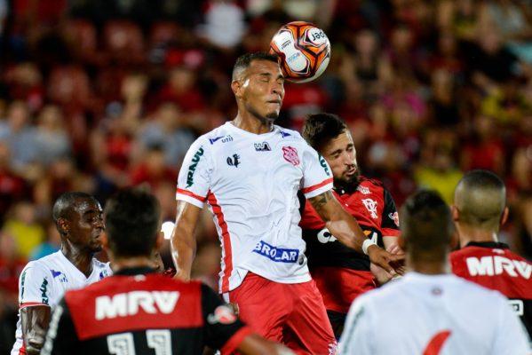 Equipe do Flamengo jogou novamente com muitos jovens (foto: Clever Felix/Agência O Dia