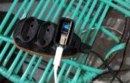 Em Pernambuco, mulher morre ao sofrer choque elétrico após colocar celular para carregar