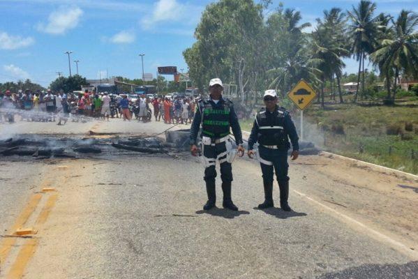 Os corpos doram encontrados no Povoado Paruí às margens da Rodovia Humberto Mandarino (SE-270) (foto: arquivo/CPRV)