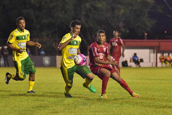Lance do jogo Itapirense e Estanciano, pela primeira rodada da Copa São Paulo de Futebol Júnior