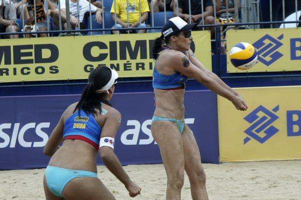 A repetição do duelo entre as duplas Maria Elisa/Carol Solberg e Ághata/Duda foi bastante acirrada.