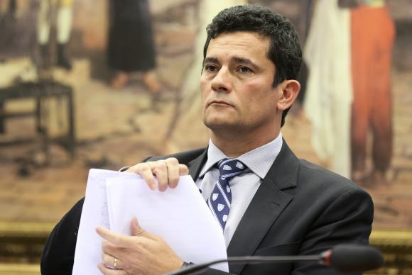 Moro determina leilão público do triplex atribuído a Lula