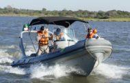 Marinha faz operação em embarcações usadas no transporte de passageiros e turistas