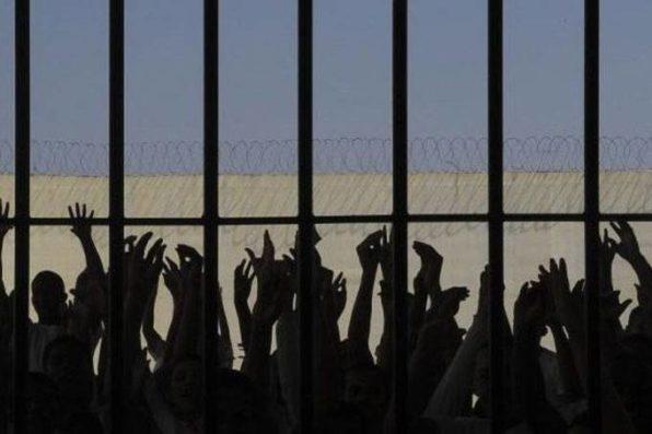 Controle da cadeira foi restabelecido após intervenção de agentes penitenciários (Wilson Dias/Reprodução)