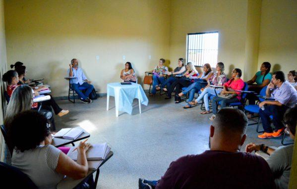 Reunião discute projeto de segurança nos bairros Santa Maria e 17 de Março