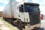 Caminhão tomba na BR-101 no Grande Recife e parte da carga de botijões de gás é saqueada