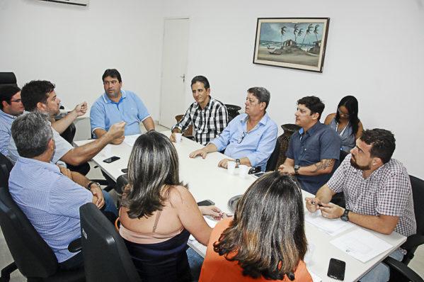 Emsurb discute regularização de publicidade ao ar livre na capital