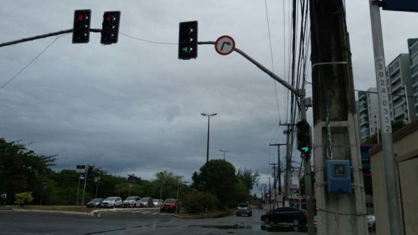 SMTT faz manutenção em semáforos para prevenir panes em dias chuvosos