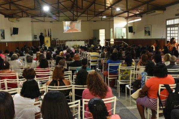 Prefeito de Socorro concede reajuste salarial de 6,81% aos professores do município