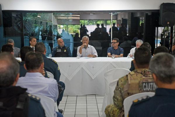 Governador discute projeto de Lei para regularizar motocicletas