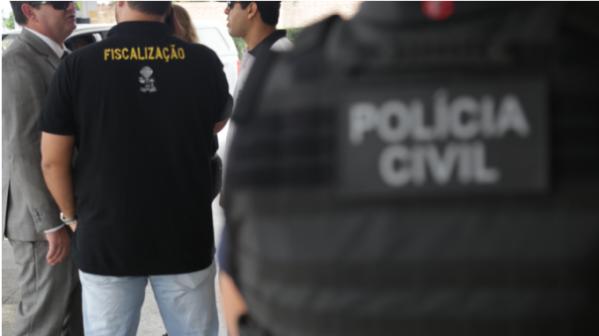 Polícia Civil e outros órgãos fiscalizam a qualidade do combustível em Aracaju