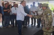 Governador entrega base móvel da PM no Sertão e empossa novo comandante da Caatinga