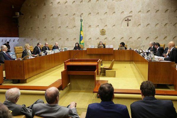Ministros do STF decidem sobre reajuste de seus salários