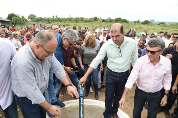 Governador entrega abastecimento de água no Baixo São Francisco