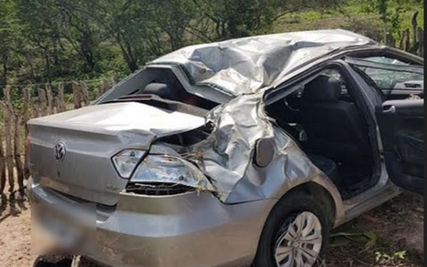 Vereadora Kitty Lima sofre acidente de carro em Tobias Barreto